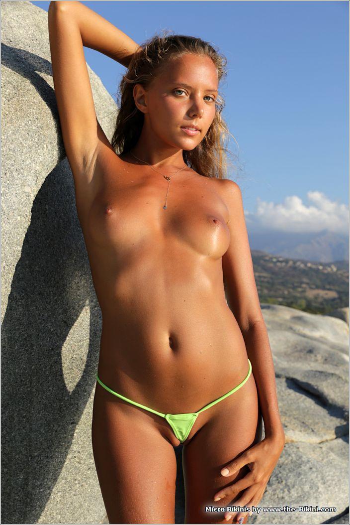 bikini007